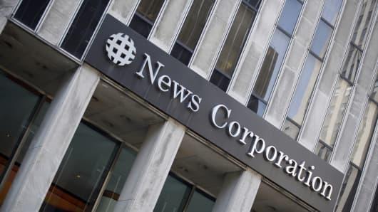 74038411MN002_newscorp