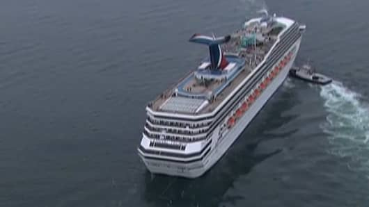 Cruise Ship Towed to Mobile, AL