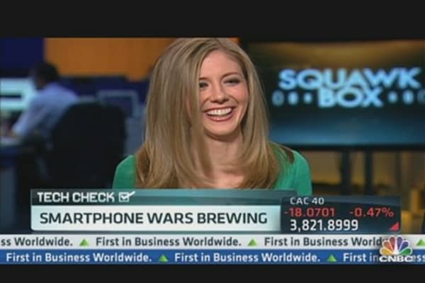 Smartphone Wars Kick Into High Gear