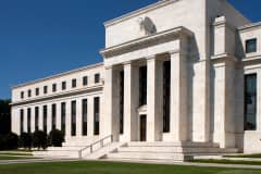 Fed's Treasurys Buying Weakens Dollar