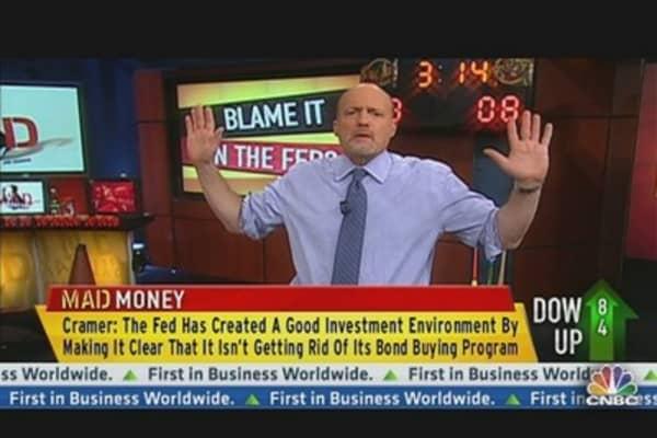 Cramer Tips His Hat to Fed's Bernanke