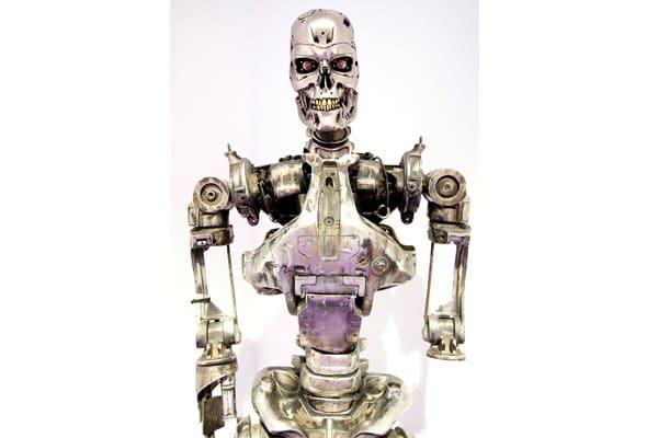 Hollywood Treasures - Terminator 2 endoskeleton