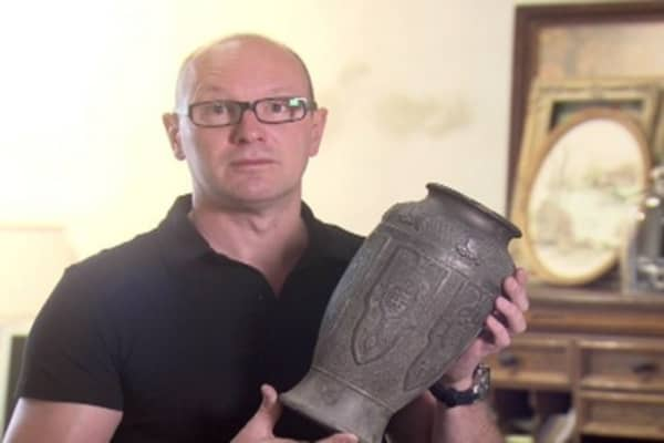 How to Spot a Fake: Pottery