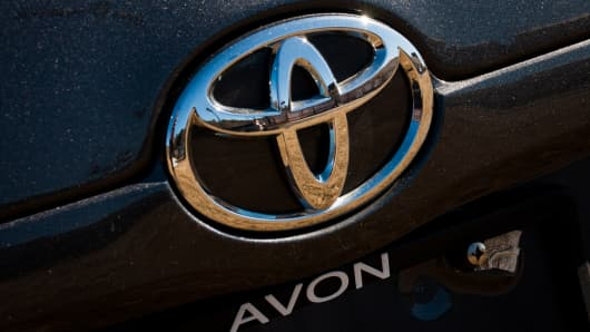 Toyota fends off VW in global sales race