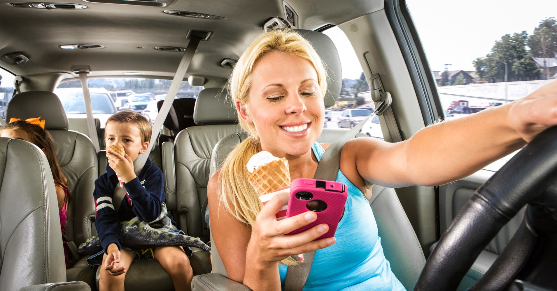 eating while driving Eating while driving is a dangerous form of distracted driving that can impair drivers' ability to recognize and respond to possible roadway hazards.