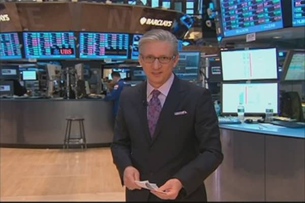 Pisani: Who's Right, Stocks or Bonds?