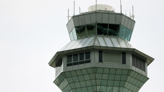 Air control tower at O'Hare Airport