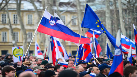 Government supporters rally in Ljubljana's Congress Square on February 8, 2013.