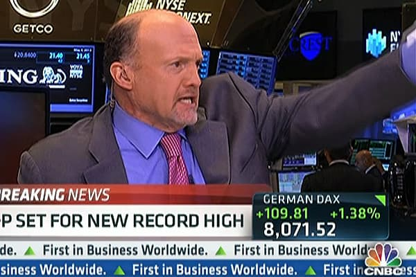 Why Cramer Wants to Buy LinkedIn