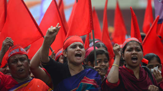Bangladeshis protests over the collapse of a factory complex.