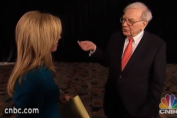 Warren Buffett Tries to Explain 'Colorful Charlie'