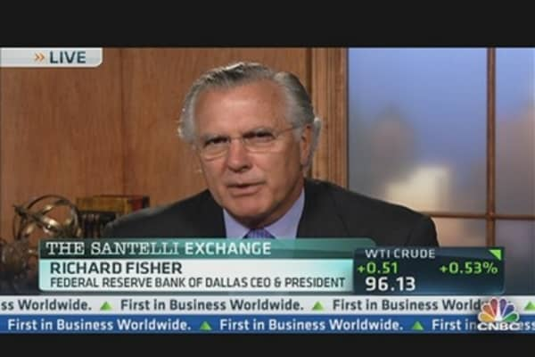 Fed's Fischer on What's Holding Back the Economy