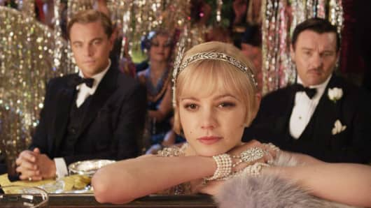 A still from The Great Gatsby film showing off Tiffany's Great Gatsby Collection Savoy Headpiece.