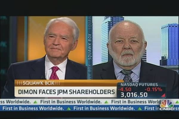 Bove: No 'Evidence' Split Role Will Improve JPM