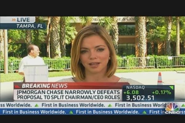 Dimon Keeps Dual Roles at JPMorgan