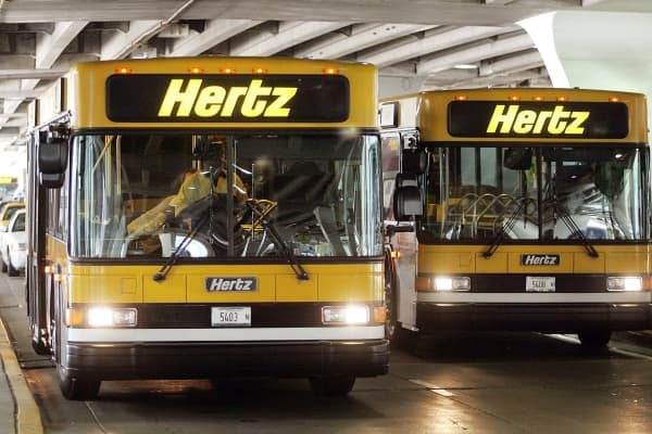Hertz airport shuttles at Chicago's O'Hare International Airport