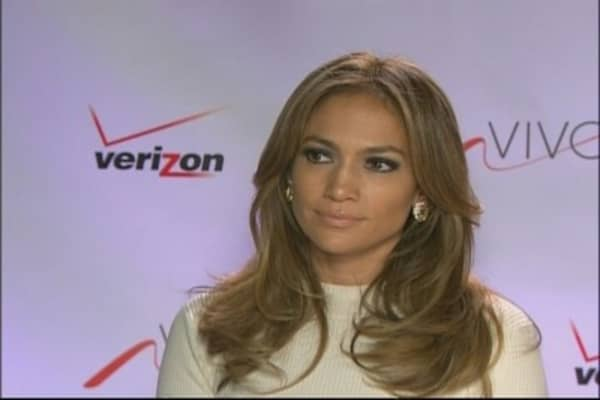 JLo & Verizon Launch Viva Movil