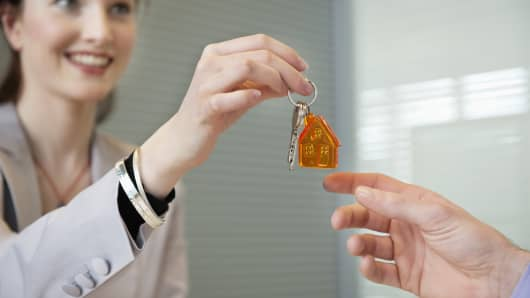 Real Estate agent employment housing