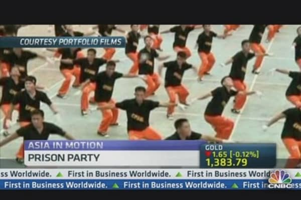 Filipino Prison Dancing Troupe Make Film Debut