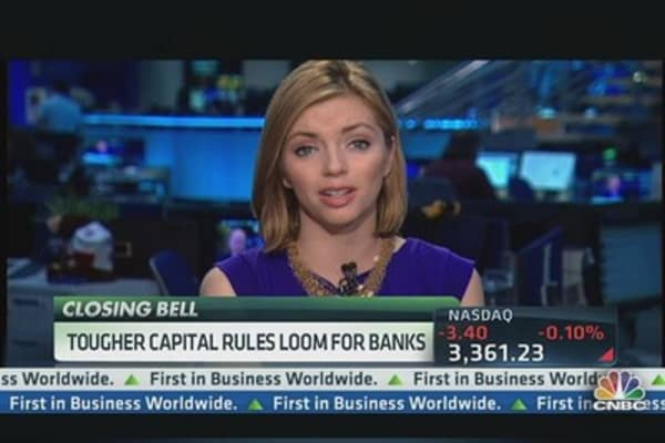 Major Financials Lower on Regulation Fear