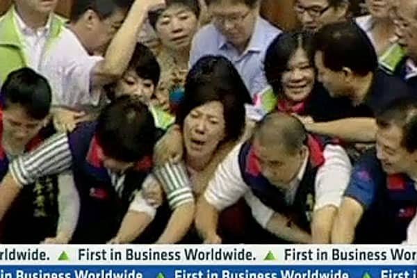 Scuffle Breaks Out in Taiwan's Parliament