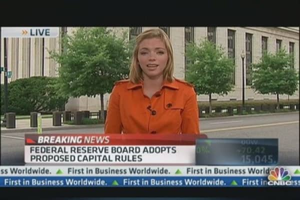 Fed Approves Bank Reform Measures