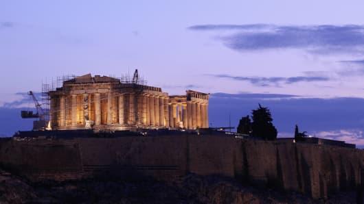 139207606OS004_GREEKS_CONTI
