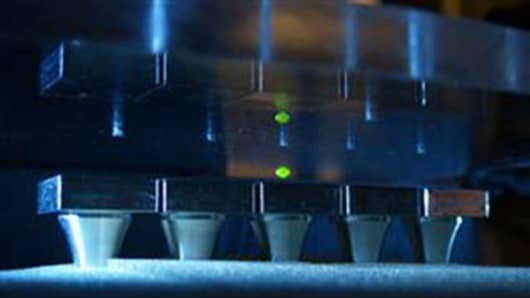 A photochemical liquid switch can be made by combining acoustically levitated drops.