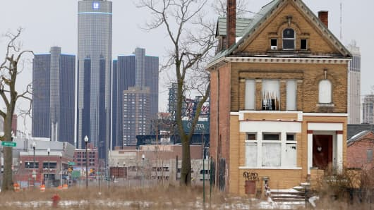 The fated glory of Detroit: an abandoned building on the outskirts of Motor City