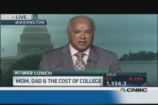 Parents pay less of college costs