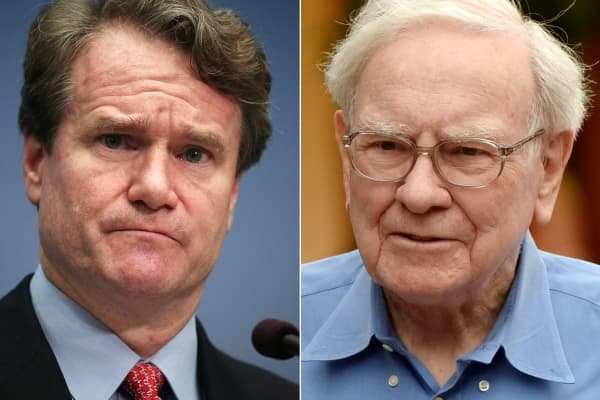 Brian Moynihan, CEO of Bank of America, and Warren Buffet, CEO of Berkshire Hathaway