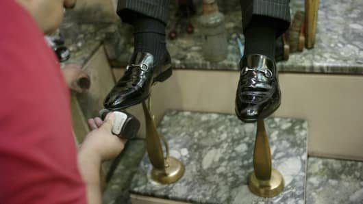 In-house shoeshine service on Wall Street has proven resilient, surviving the rise of technology and even the 2008 financial crisis, which snuffed out many of its quirks.