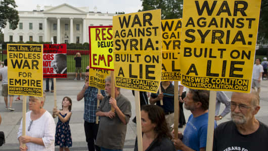 Protesters outside the White House on Aug. 29.