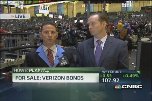 For sale: Verizon bonds & GM shares