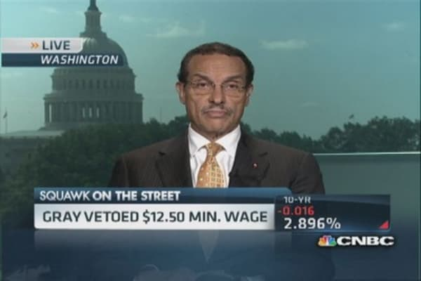 Is wage veto a win for Wal-Mart?