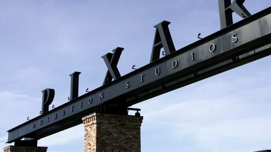 The Pixar logo at the main gate of Pixar Animation Studiosin Emeryville, California.