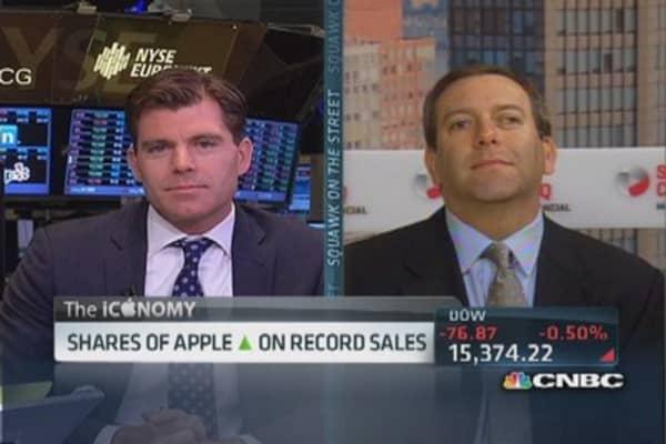 Apple crushes estimates, sell 9 million iPhones