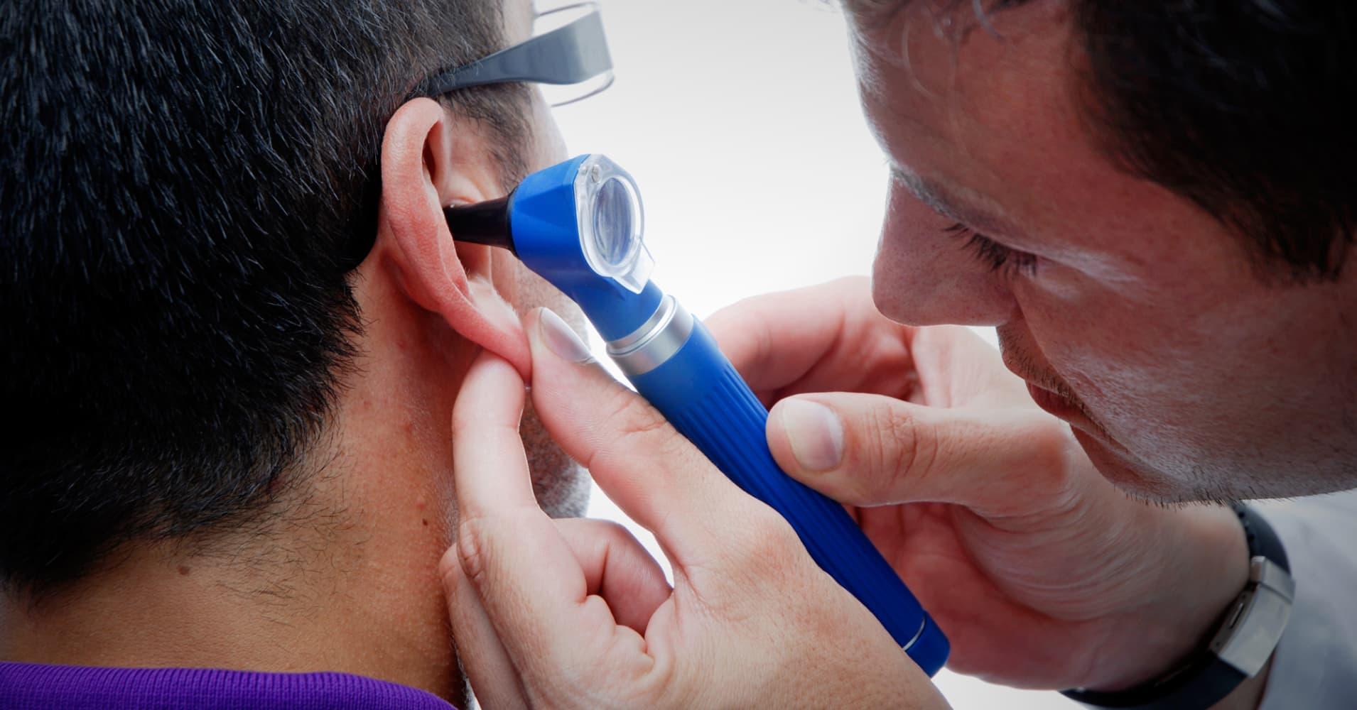 Серная пробка в ухе: симптомы 50