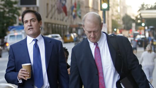 Mark Cuban (L) and his attorney Stephen A. Best prepare to enter the Earle Cabell Federal Building and Courthouse in downtown Dallas. Cuban was expected to testify in the government's insider-trading case against him