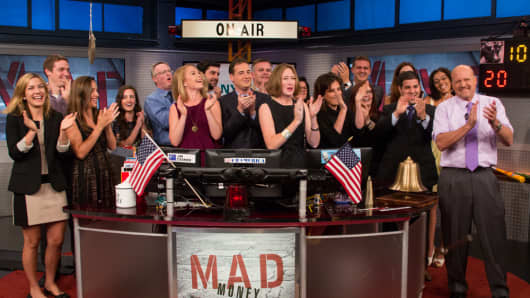 Jim Cramer with staff on the set of Mad Money.