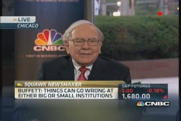 Warren Buffett: 'Regulators have a huge, huge club'