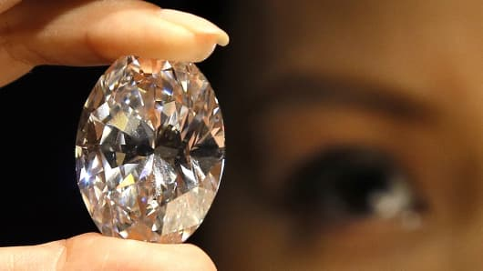 The oval white diamond that was auctioned Monday.