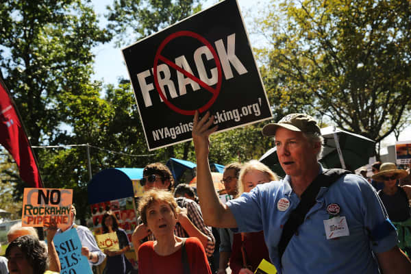 Amid DC gridlock, states make their own 'fracking' rules