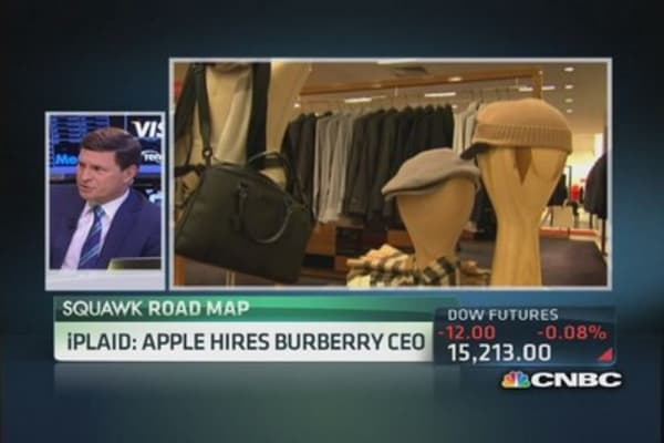 iPlaid: Apple hires Burberry CEO