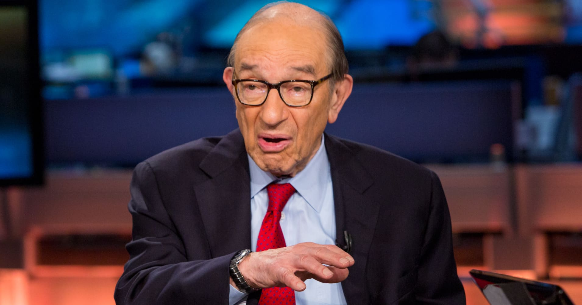 alan greenspan essay on gold We have got a great essay template, discussing the life of alan greenspan feel free to use the following sample to write the best paper on your own.