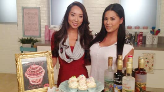 Entrepreneurs Lisa Song-Sutton and Dannielle Michelle launched Sin City Cupcakes using Twitter.