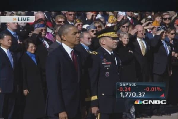 President Obama lays wreath at 'Tomb of the Unknown Soldier'