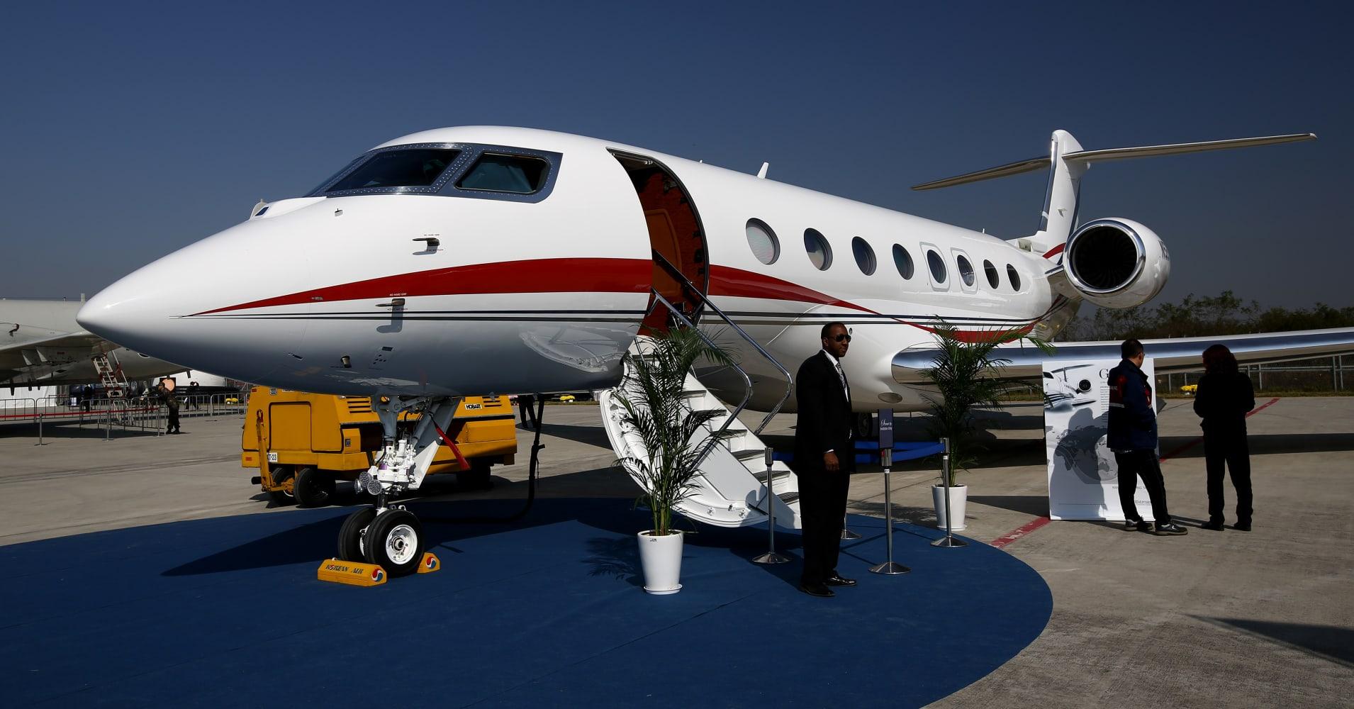 Private Jet Market Split As Price Gap Widens