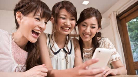 Premium Japanese women smartphones