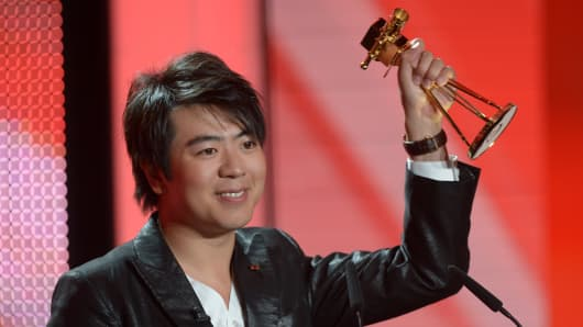 Lang Lang wins in the category 'best music international' at the Golden Camera awards in Berlin, 2013